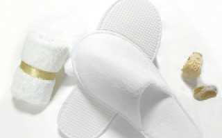 Why Hotel Slippers Price Matters - Buying Guide